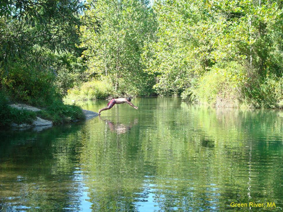 ma nude River